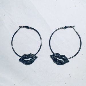 Kiss lips sparkle hoop earrings